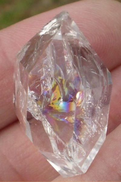 40f803b0a6d066e59a0bdeb7536e7b83--astral-projection-quartz-crystal