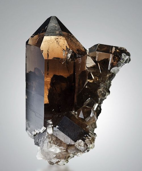 smoky-quartz-crystals-and-stones